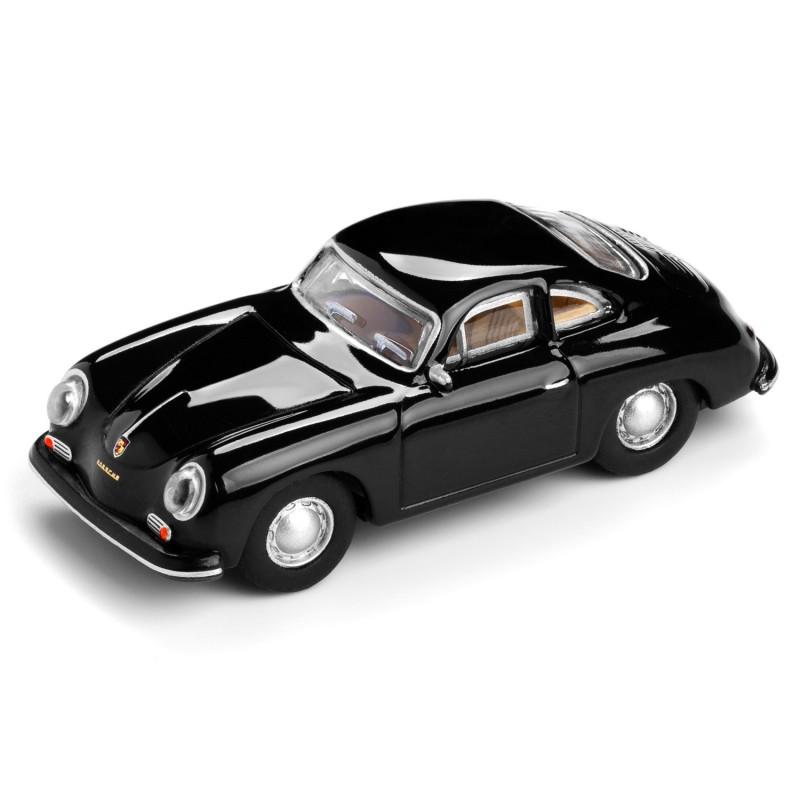 Magnet Porsche 356 A Carrera auf dem Tisch Ansicht schräg von vorn – corpus delicti design Hamburg – Wir machen Geschenke