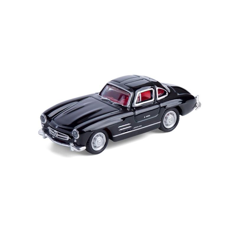 Magnet Mercedes Benz MB 300 SL schwarz auf dem Tisch Ansicht schräg von vorn – corpus delicti design Hamburg – Wir machen Geschenke