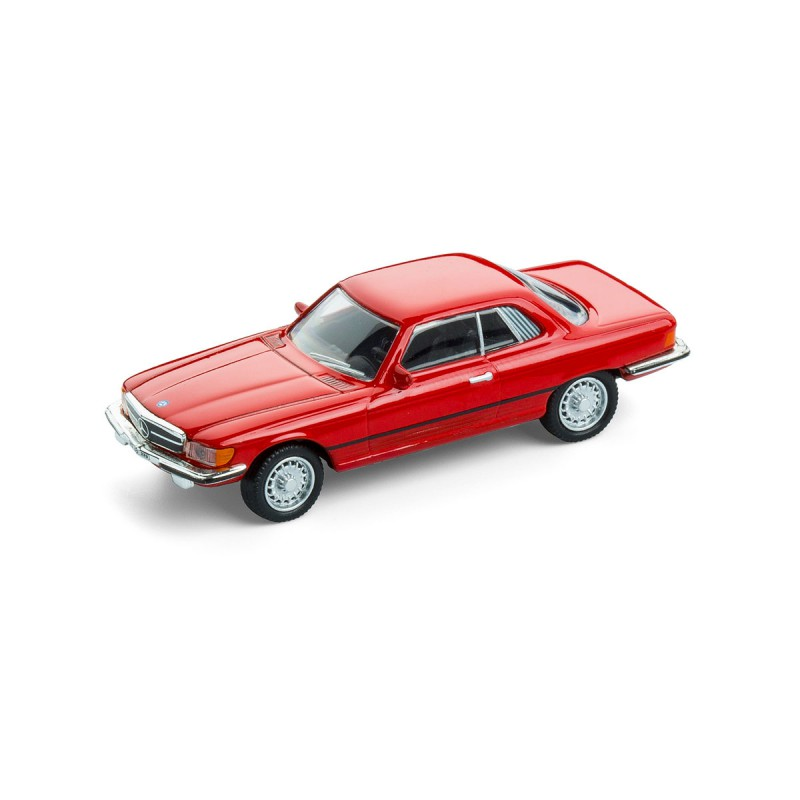 Magnet Mercedes Benz MB 450 SLC auf dem Tisch Ansicht schräg von vorn – corpus delicti design Hamburg – Wir machen Geschenke