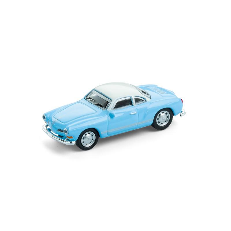 Magnet VW Volkswagen Karmann Ghia auf dem Tisch Ansicht schräg von vorn – corpus delicti design Hamburg – Wir machen Geschenke