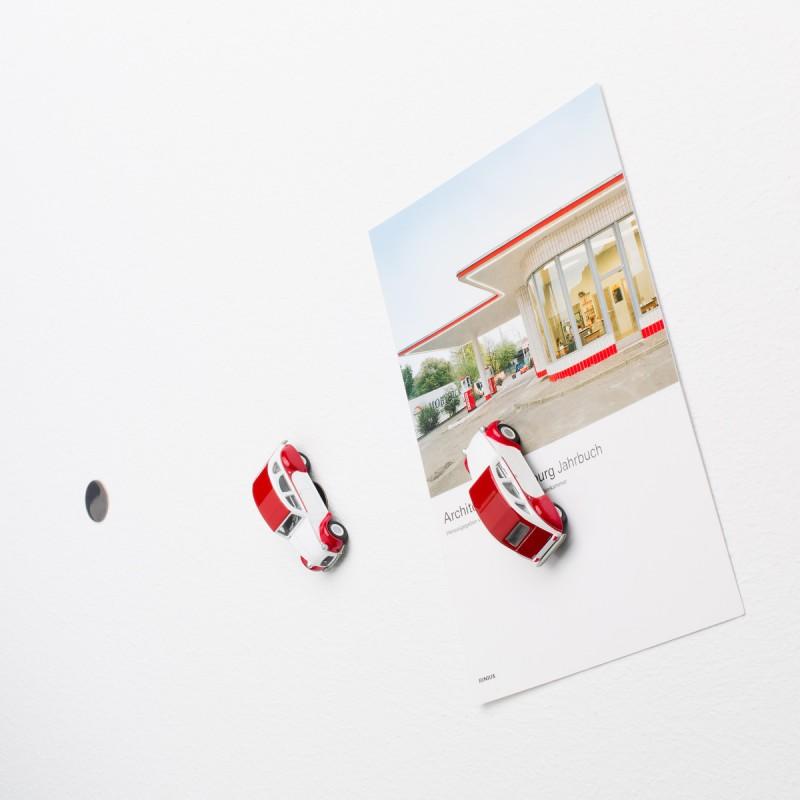 Mini-Pinnwand Citroën 2CV Dolly - Ente - Döschwo an der Wand mit selbstklebender Haftscheibe und Postkarte