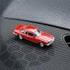 Magnetischer Parkscheinhalter Mercedes Benz MB 450 SLC auf einem Armaturenbrett – corpus delicti design Hamburg – Wir machen Geschenke