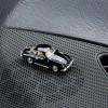 Magnetischer Parkscheinhalter Porsche 356 A auf einem Armaturenbrett – corpus delicti design Hamburg – Wir machen Geschenke