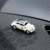 Magnetischer Parkscheinhalter VW Volkswagen Käfer Rallye auf einem Armaturenbrett – corpus delicti design Hamburg – Wir machen Geschenke