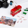 London Bus – Büroklammerspender Roadmaster Mood mit  Postkarte und Kamera auf dem Schreibtisch – corpus delicti design Hamburg