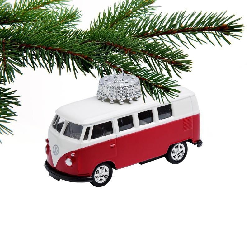 Christbaumschmuck VW Bus rot an einem Tannenzweig – corpus delicti design Hamburg – Wir machen Geschenke